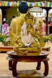 Milaan, Italië - Oktober twintigste, 2015: Het gouden standbeeld van Boedha Royalty-vrije Stock Fotografie