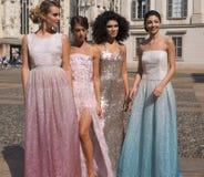 MILAAN, Italië: 21 september, 2018: Modellen in Duomo-vierkant royalty-vrije stock afbeeldingen