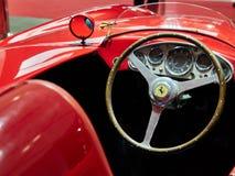 Milaan, Lombardije Italië - 23 November, 2018 - Binnenland van Ferrari 750 Monza 1955 in de uitgave van Autoclassica Milaan 2018 stock foto's