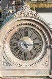 MILAAN, LOMBARDY/ITALY - 23 FEBRUARI: Oude klok in Milaan op Febr Stock Afbeelding