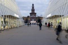 Milaan, Milaan, kasteel vierkante mening en expogate Stock Foto's