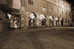Milaan, Milaan, ragione van palazzodella en het oude marktvierkant Stock Foto