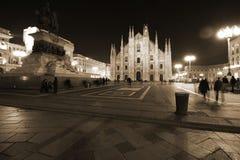 Milaan, Milaan, vooraanzicht van de kathedraal van Milaan (duomodi Milaan) bij nacht Stock Foto