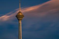 Milad Tower också, bekant som det Teheran tornet är ett torn som kan användas till mycket i Teheran, Iran Fotografering för Bildbyråer