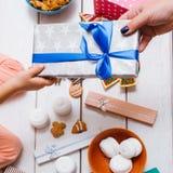 Milagro de la Navidad Amor de la familia el día del ` s del Año Nuevo Fotografía de archivo libre de regalías