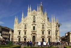 Milan Cathedral (di Milão do domo) no verão Imagens de Stock