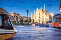 Milan Cathedral, Piazza del Duomo bij nacht, Italië Stock Foto's