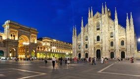 Milan - den Duomodomkyrkan och galleriaen Royaltyfri Bild