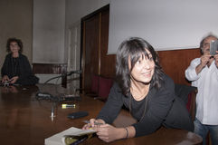Milan den italienska romanförfattaren Elena Sacco Arkivbild