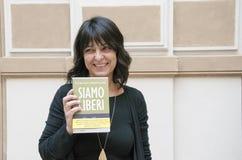 Milan den italienska romanförfattaren Elena Sacco Arkivfoto