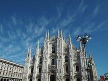 Milan Duomo Cathedral sikt från offentlig fyrkant Royaltyfri Foto