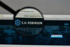 Milan, Italie - 10 août 2017 : C H Logo de Robinson Worldwide dessus photo libre de droits