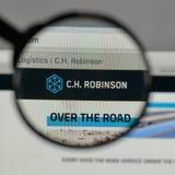 Milan, Italie - 10 août 2017 : C H Logo de Robinson Worldwide dessus image stock