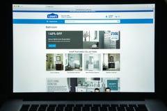 Milan, Italie - 10 août 2017 : Page d'accueil de site Web de Lowe's C'est a Images stock