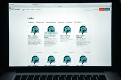 Milan, Italie - 10 août 2017 : Page d'accueil de site Web de Wikileaks Il I Photographie stock libre de droits