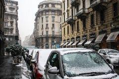 Milan, Italie - 1er mars 2018 Rues de Milan dans la neige Images libres de droits