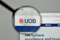 Milan, Italie - 1er novembre 2017 : Logo d'UOB sur le homepag de site Web Images libres de droits
