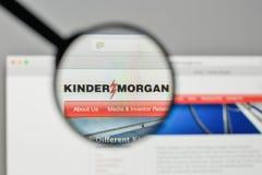 Milan, Italie - 1er novembre 2017 : Logo de Kinder Morgan sur le websi images libres de droits