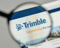 Milan, Italie - 1er novembre 2017 : Logo de Trimble sur le hom de site Web Photographie stock libre de droits
