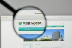 Milan, Italie - 1er novembre 2017 : Rondin de Meiji Yasuda Life Insurance Images stock