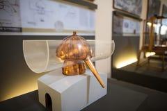 MILAN, ITALIE - 9 JUIN 2016 : modèle d'alambic de ` de Leonardo da Vinci Image stock