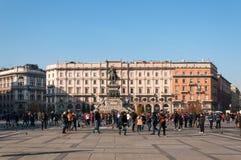 MILAN, ITALIE - 10 NOVEMBRE 2016 : Vue aérienne de Piazza del Duomo et monument de Vittorio Emanuele II un jour ensoleillé, Itali Images libres de droits