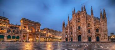 Milan, Italie : Piazza del Duomo, place de cathédrale Images libres de droits