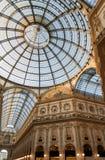 Milan, Italie Plafond en verre fleuri en galerie de Vittorio Emanuele Images libres de droits