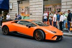 Milan, Italie - 24 septembre 2017 : Voiture de Lamborghini dans Montenapo photographie stock