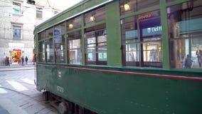 Milan, Italie - 12 03 2019 : transport en commun de tram à Milan clips vidéos