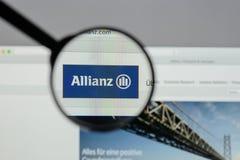 Milan Italien - Augusti 10, 2017: Allianz websitehomepage Det är Arkivbilder