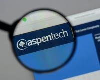 Milan Italien - Augusti 10, 2017: Aspen Technology logo på rengöringsduken arkivfoto