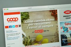 Milan Italien - Augusti 10, 2017: Coopwebsitehomepage Det är Arkivbild