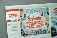 Milan Italien - Augusti 10, 2017: Coopwebsitehomepage Det är Arkivfoton