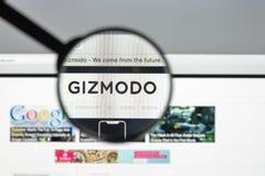 Milan Italien - Augusti 10, 2017: Gizmodo websitehomepage Det är Royaltyfria Bilder