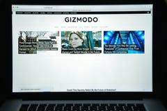 Milan Italien - Augusti 10, 2017: Gizmodo websitehomepage Det är Arkivfoto