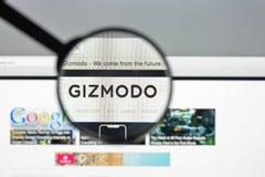 Milan Italien - Augusti 10, 2017: Gizmodo websitehomepage Det är Royaltyfri Bild