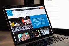 Milan Italien - Augusti 15, 2018: H för Human Rights Watch NGO-website royaltyfri fotografi