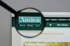 Milan Italien - Augusti 10, 2017: H för website Amica för ömsesidig försäkring Royaltyfria Bilder