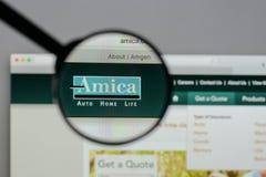 Milan Italien - Augusti 10, 2017: H för website Amica för ömsesidig försäkring Royaltyfria Foton