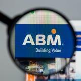 Milan Italien - Augusti 10, 2017: Homepage för ABM-branschwebsite Arkivbilder