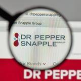 Milan Italien - Augusti 10, 2017: Logo för Dr Pepper Snapple Group på Arkivfoto