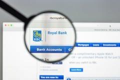Milan Italien - Augusti 10, 2017: Royal Bank av Kanada websitehom Arkivfoto