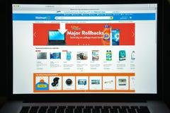 Milan Italien - Augusti 10, 2017: Walmart websitehomepage Det är Arkivbild