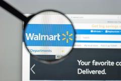 Milan Italien - Augusti 10, 2017: Walmart websitehomepage Det är Fotografering för Bildbyråer