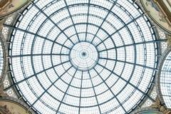 MILAN ITALIEN - JUNI 8, 2016: Glass kupol av Galleria Vittorio Fotografering för Bildbyråer