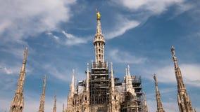Milan Italien - Maj 2016: Cathdedral statyhyperlapse för Duomo lager videofilmer