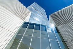 MILAN ITALIEN - MAJ 04 2016: CityLife Milan Allianz Tower som planläggs av arkitekter Arata Isozaki Arkivfoton