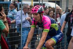 Milan Italien 31 Maj 2015; Den yrkesmässiga cyklisten tröttade i Milan, når han har avslutat Postgirot D'Italia Arkivfoto