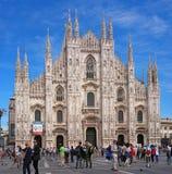Milan Italien - Maj 25, 2016: DomkyrkaDuomo, den huvudsakliga fasaden Arkivbilder
